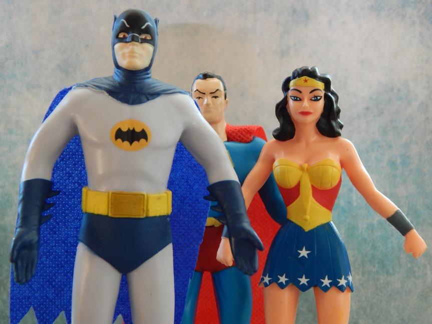 superheroes-534104_1920